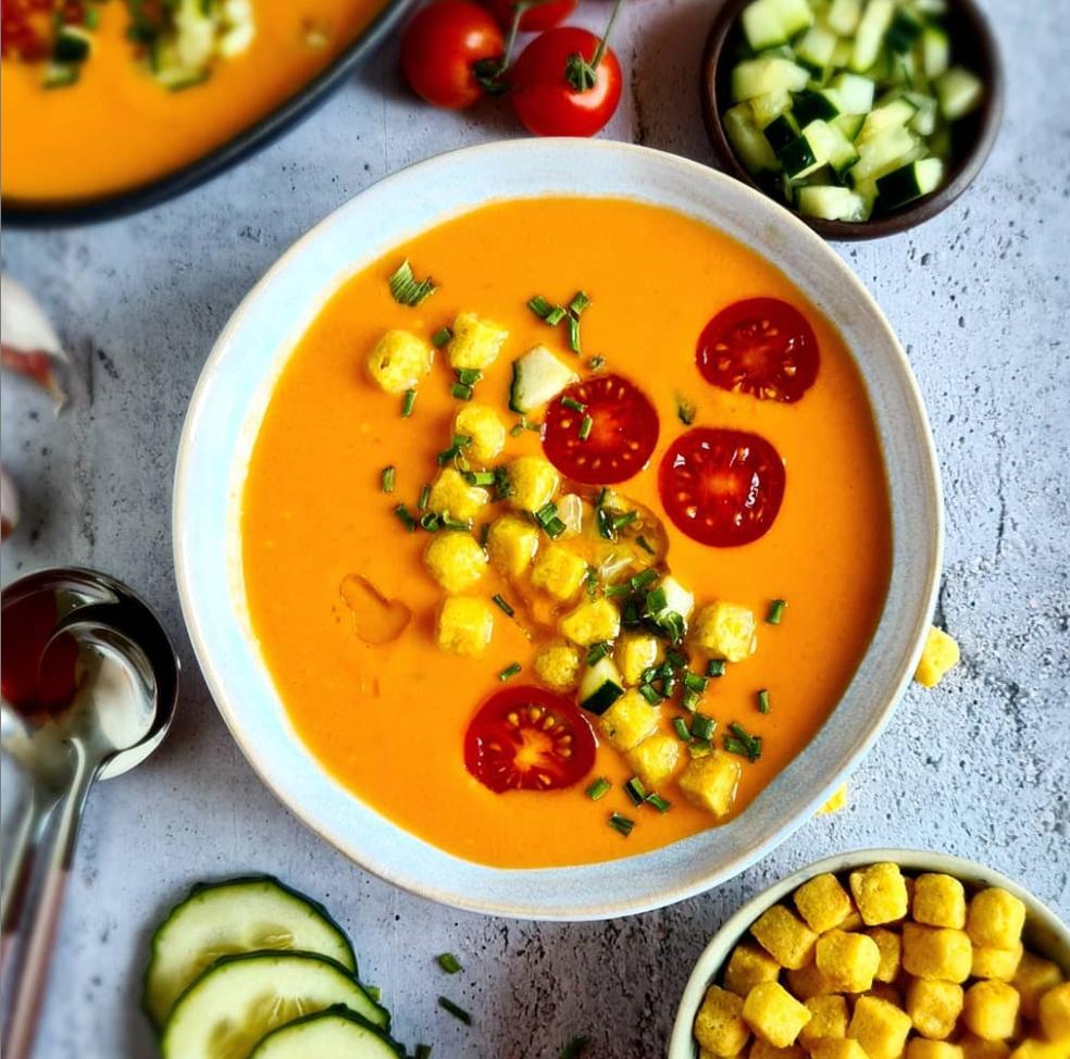 Recetas veraniega y saludable de gazpacho de nectarina